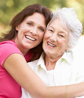 Senior visited by family during skilled nursing care